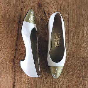 Salvatore Ferragamo vintage white pumps gold toe